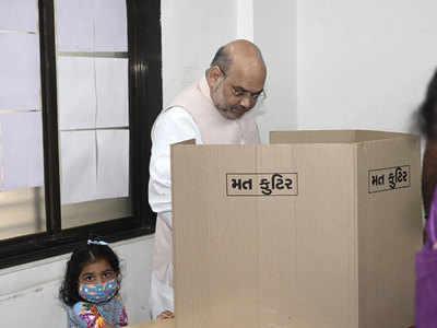 Gujarat civic polls see low voter turnout