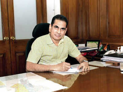 BMC chief asks labs to stay prepared to handle spike, seeks staggered office hours