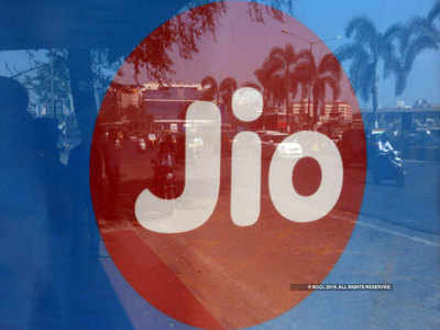 Jio unveils twin JioPhone-2021 offers to attract feature phone users