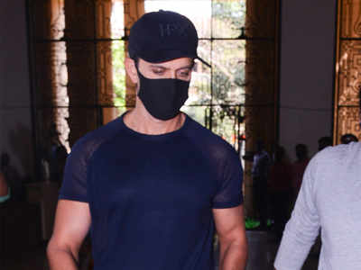 Hrithik Roshan appears before police to record statement against Kangana Ranaut in 2016 online impersonation case
