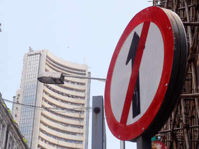 Sensex plunges 750 points amid global selloff, bank stocks take a beating: Key factors hurting market