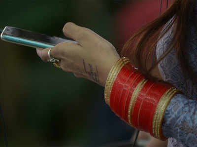 Mobile phone services could face disruptions as key infra clearances stuck