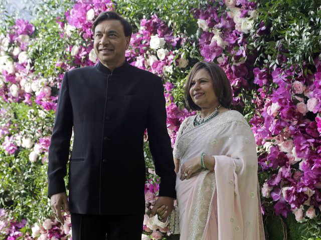 It's true! Pooja Batra confirms marriage with Nawab Shah