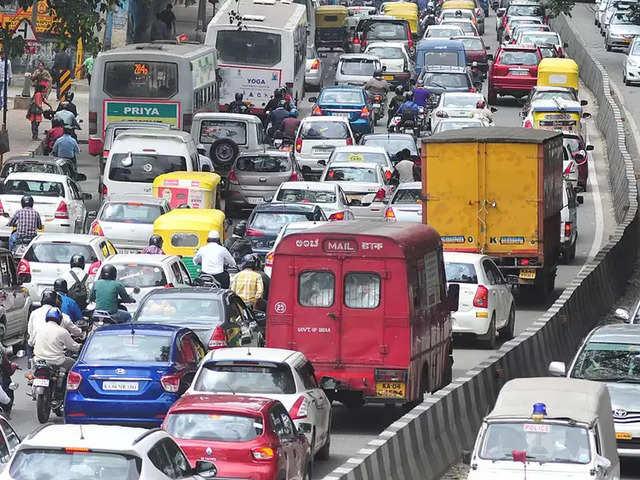 registration charges: वाहन का रजिस्ट्रेशन कराना पड़ेगा महंगा, फीस में भारी  बढ़ोतरी की तैयारी - The Economic Times