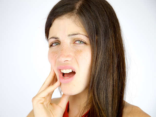 oral hygiene: Bad breath, swelling and bleeding gums can be