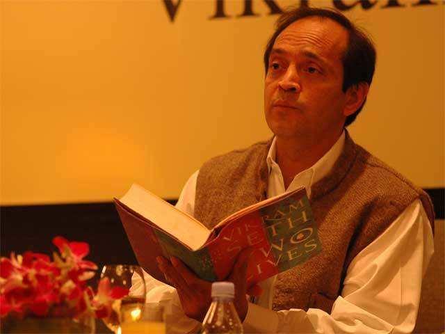 Vikram Seth Backs Sahitya Akademi S Condemnation Of Writers Killing The Economic Times