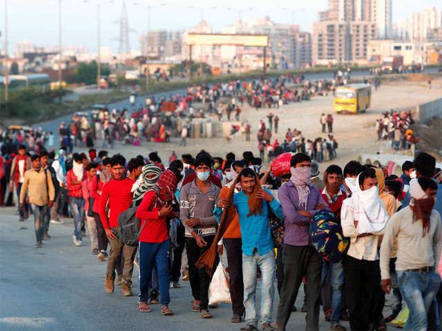 Massive evacuation operation on as huge mass of migrants heads out ...