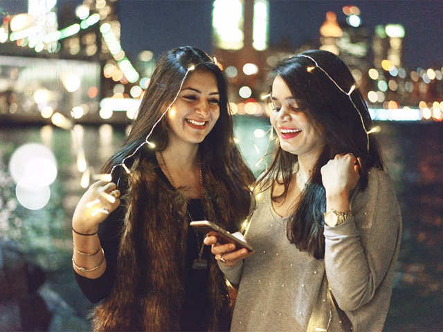 Friendship In The Time Of Uri Can This Pak Girl Attend Her Indian Best Friend S Wedding The Economic Times