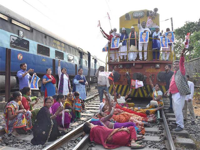 Bharat Bandh Updates | Bharat Band on SC/ST Ruling: 9 dead