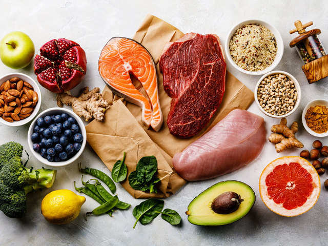 healthy diet should include proteins carbs