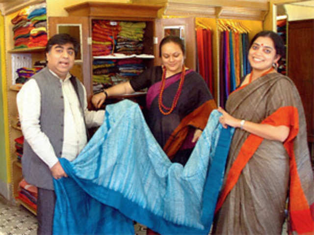 Six Entrepreneurs Keeping Art Of Weaving Embroidering Alive In Bengal The Economic Times