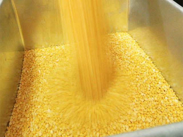 Pulses prices start easing as 82,000 tons seized from ...