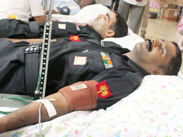Over 400 army personnel take part in blood donation camp ...