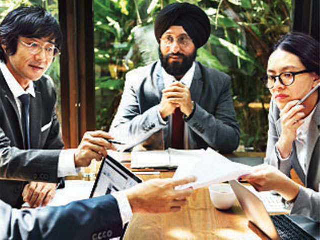 5 ways to win the confidence of the new boss - The Economic Times