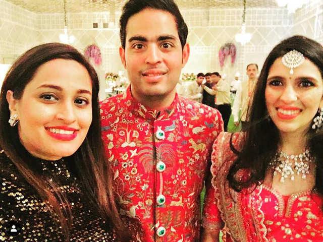 Isha Ambani: Girls night: When Isha Ambani, Priyanka Chopra
